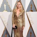 Margot Robbie At The 88th Annual Academy Awards - Arrivals (2016)