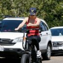Kate Hudson and Goldie Hawn – Bike riding together in Pacific Palisades