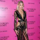 Devon Windsor – 2017 Victoria's Secret Fashion Show After Party in Shanghai - 454 x 683