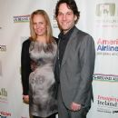 Julie Yaeger and Paul Rudd - 375 x 594