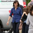 Katie Holmes - Makes A Trip To Visit Tom Cruise While He Works On Set In Boston, 2009-09-22