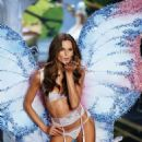 Izabel Goulart 2014 Victorias Secret Fashion Show Runway In Nyc