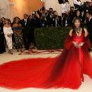 Nicki Minaj – 2018 MET Costume Institute Gala in NYC - 454 x 310