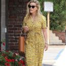 Reese Witherspoon in Yellow Summery Dress – Out in the Pacific Palisades - 454 x 681
