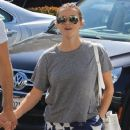 Reese Witherspoon is seen going to the market with husband Jim Toth in Los Angeles, California on June 19, 2016 - 381 x 600