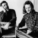Peggy Seeger - 454 x 272