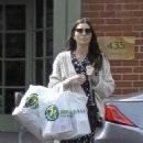 Jessica Biel – Leaves Health Mart in New Orleans - 454 x 549