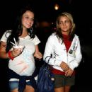 Jamie-Lynn Spears - Walking Her Sister, 8/30/2006