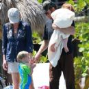 Julia Roberts And Her Husband Enjoying Some Time With Their Kids At The Pool While On Vacation In Hawaii, 30.08.2008.