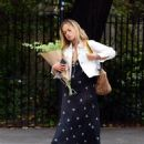 Amelia Windsor – Pictured with bouquet of flowers while out in London - 454 x 567