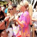 Kendra Wilkinson: Independence Day Party Girl
