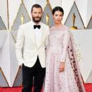 Jamie Dornan and Amelia Warner At The 89th Annual Academy Awards  - Arrivals (2017) - 400 x 600