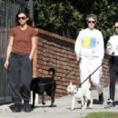 Kristen Stewart and Sara Dinkin – Hiking with their dogs in Los Angeles - 454 x 303
