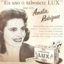 Amalia Rodrigues - 454 x 507