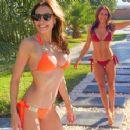 Melanie Sykes  Bikini Babeilious - 454 x 354