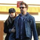 Olivia Wilde & Jason Sudeikis Go for a Romantic Stroll in NY, Dec 31