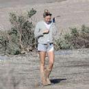 Miley Cyrus at the beach in Malibu - 454 x 482