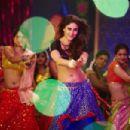 Kareena Kapoor IN 'Fevicol se' Song from Dabangg 2