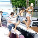 Kourtney Kardashian Takes a Boat Ride With Her Family in Miami - July 3, 2016 - 454 x 331