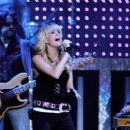 Carrie Underwood - Performance At Time Warner Cable Arena In Charlotte, 18.04.2008.