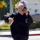 Jojo Siwa – Dancing with her BFF out and about in Los Angeles - 454 x 575
