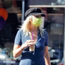 Malin Akerman – Pictured at The Coffee Bean and Tea Leaf in Los Feliz - 454 x 681