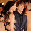 L'Wren Scott and Mick Jagger at 2011 MET Costume Institute Gala - 393 x 612