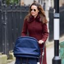 Pippa Middleton – Walking on the old Brompton road near earls court in London - 454 x 705