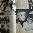 Sammy Davis Jr. - Billed Bladet Magazine Pictorial [Denmark] (8 January 1965) - 454 x 319