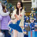 Mila Kunis – Filming 'A Bad Moms Christmas' set in Atlanta - 454 x 681