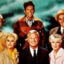 The cast of Green Acres - 320 x 227