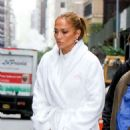 Jennifer Lopez – On the set of 'Marry Me' at Plaza Hotel in NYC
