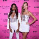 Josephine Skriver – 2017 Victoria's Secret Viewing Party in New York City - 454 x 680