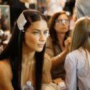Adriana Lima- Versace - Backstage - Milan Fashion Week SS17 - 454 x 303