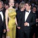 Nicole Kidman and Tom Cruise At The 69th Annual Academy Awards (1997) - Arrivals - 454 x 641
