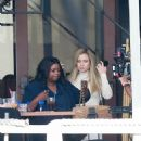 Kate Hudson and Octavia Spencer – Filming at a local eatery in Marina Del Rey - 454 x 682