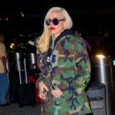 Gwen Stefani – Arriving at the airport in New York