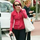 Reese Witherspoon: Red Hoodie Hottie
