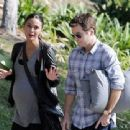 Kevin Connolly and Emmanuelle Chriqui - 454 x 340