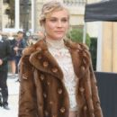 Diane Kruger – Arrives at the Valentino Show – Paris Fashion Week 10/2/2016 - 454 x 708