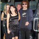 Camelia Kath and Jeff Lynne - 230 x 350