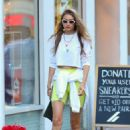 Gigi Hadid – Takes to meet with friends in New York City