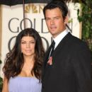 Fergie and Josh Duhamel - 454 x 581