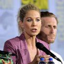 Jenna Elfman – 'Fear the Walking Dead' Panel at Comic Con San Diego 2019 - 454 x 604