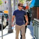 Mark Wahlberg runs errands in Beverly Hills on March 8, 2016 - 454 x 600