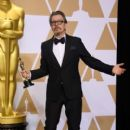 Gary Oldman At The 90th Annual Academy Awards - Press Room (2018) - 400 x 600