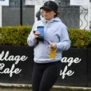 Coleen Rooney – coffee run in Alderley Edge – Cheshire - 454 x 702