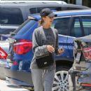 Jessica Alba– Grocery Shopping in Malibu, July 2016 - 454 x 681