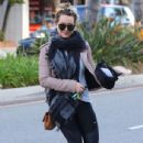Hilary Duff stops by a gym for a workout in Studio City, California on January 24, 2017 - 435 x 600
