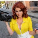 Angie Griffin as April O'neil | Cosplay - 454 x 261